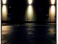 Ljusvägg i kvällens mörker